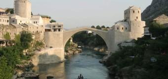 Danas se obilježava 21. godišnjica rušenja Starog mosta u Mostaru