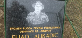 "Lovačko društvo ""Srednje""  odalo počast Fuadu Alikadiću otkrivanjem Spomen ploče na Vidotini"