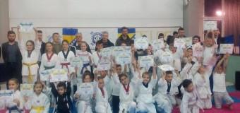 Diplome za 40 članova i članica Taekwondo kuba Ilijaš za prelazak u viši pojas
