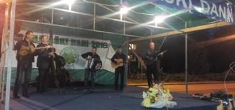 Večer uz tamburu i pjesmu na gradskom šetalištu u Ilijašu