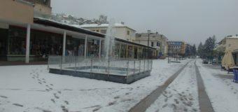 Snijeg donio brojne probleme-voćari strahuju od najavljenih padavina i minusa