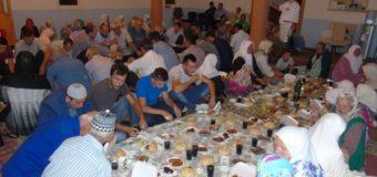 Džematlije iz Ljubnića upriličile prvi poslijeratni iftar za povratnike Dobraka