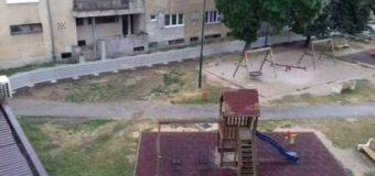 Postavljanje zaštitne ograde oko dječijeg parka u Ilijašu