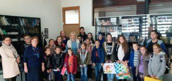 """Vijeće učenika OŠ """"Hašim Spahić"""" upriličilo posjetu Gradskoj biblioteci Ilijaš"""