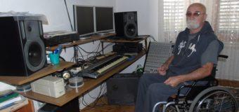 Reportaža-Vezir Hota Vesko: Usprkos svim teškoćama život je lijep uz muziku i mladalački polet