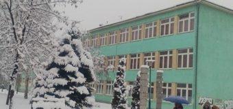 """Bivši učenici SŠC """"Nedžad Ibrišimović"""" donirali 1.268,00 KM za izgradnju lifta"""