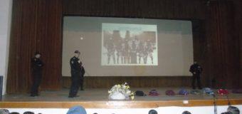 """Policijski službenici upriličili edukativni čas za učenike  šestih razreda OŠ """"Hašim Spahić"""""""