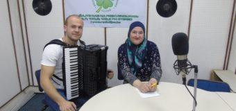 U programu Radio Ilijaša zapjevao i zasvirao talentovani Azmir Halilović