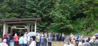 U mjestu Sokolina obilježena 26. godišnjica od ubistva 48 Bošnjaka iz naselja Ahatovići