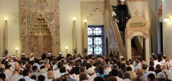 Muslimani širom BiH i svijeta danas obilježavaju Ramazanski bajram