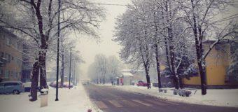 Snijeg zabijelio Ilijaš: Zimske službe na terenu